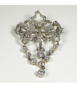 Exceptionnelle broche Platine et Diamants