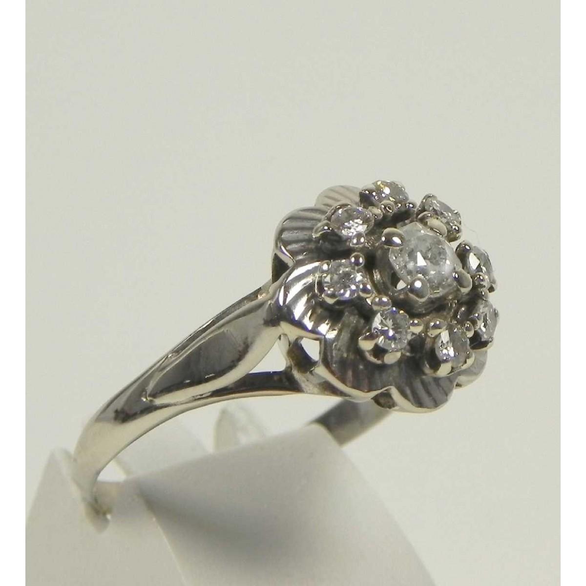 Bague en or gris et diamant