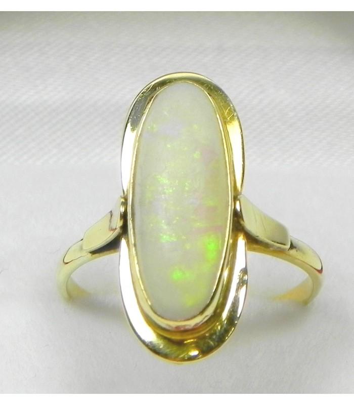 bague or jaune et opale