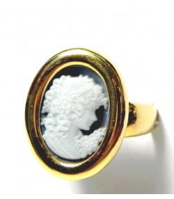 Romantique bague or et camé sur Onyx