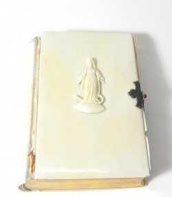 """""""MARIE IVOIRE"""" Livre de messe """"Le Paroissien Romain"""" XIXème siècle couverture en ivoire"""