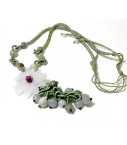 """""""FLEUR DE JADE"""" Collier à motif floral en jade-jadéïte et soie"""